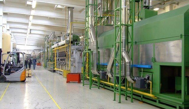 Z jakiego powodu konserwacja i modernizacja maszyn fabrycznych są niezbędne? Co jeszcze oferują firmy zajmujące się remontem maszyn?